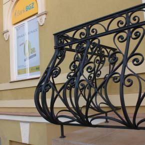 Balustrada zewnętrzna, Bank BGŻ Łańcut, konserwacja zabytkowej balustrady